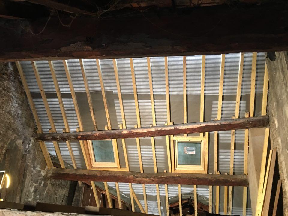 avec pose de fenêtres de toit Vélux